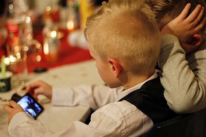 Описаны способы защитить смартфон ребенка отмошенников