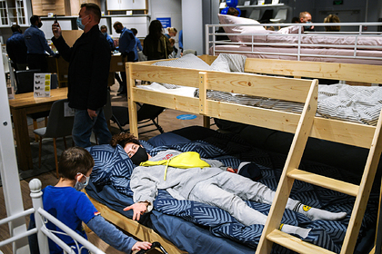 Мебельные компании попытались вернуть диваны вдома россиян