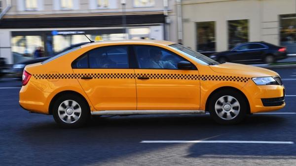 Одной головной болью для таксистов стало меньше