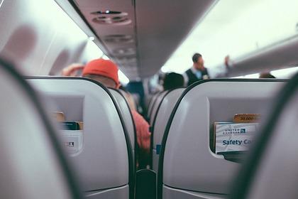 Бортпроводник перечислил самые раздражающие привычки пассажиров
